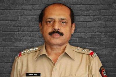 sanjay raut slams former cop sachin waze