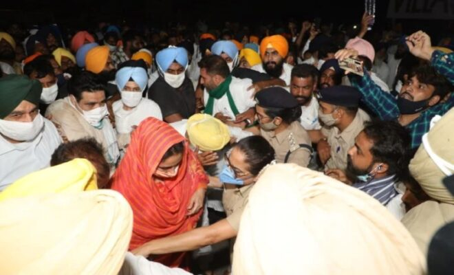 Akali Dal leaders detained by Delhi Police over farm laws protests