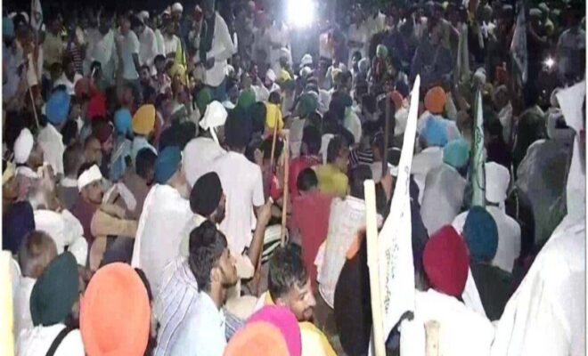 Farmers continuing to spend nights outside Karnal
