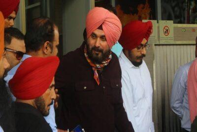 navjot singh sindhu takes back his resignation after meeting rahul gandhi